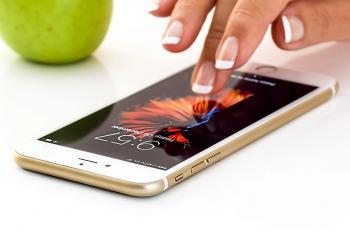 smartphone-1894723_1280 (1)