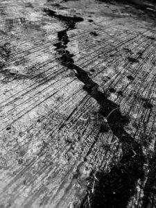 cracks-2845175_960_720